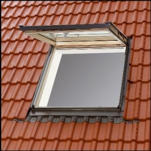 חלון גג ציר כפול מבחוץ