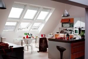 חלונות לגגות רעפים ציר כפול במטבח