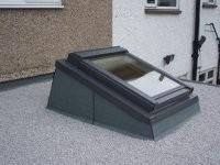 סקיילייט בגג בטון שטוח