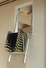 סולמות מתקפלים לעליית גג דגם אנכי